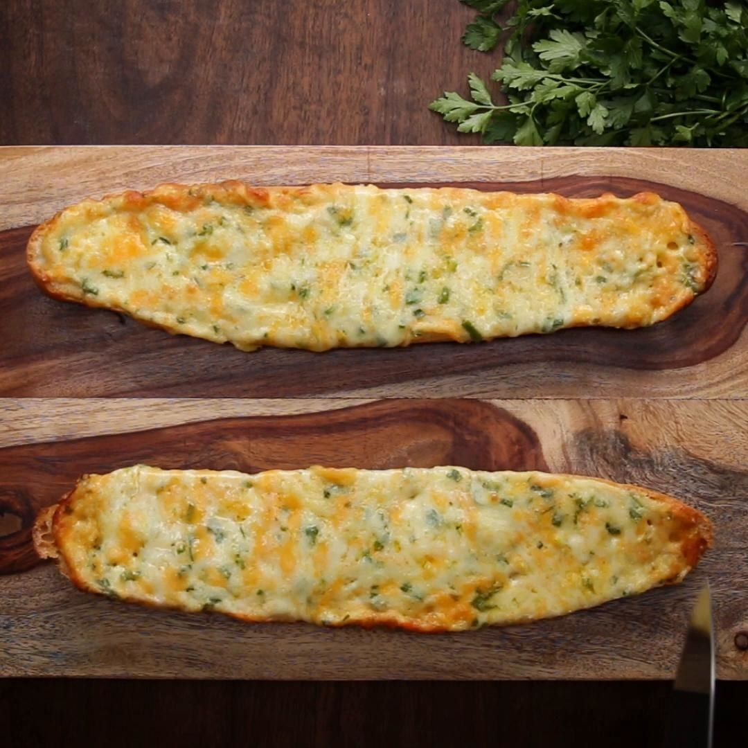 3-Cheese Garlic Bread