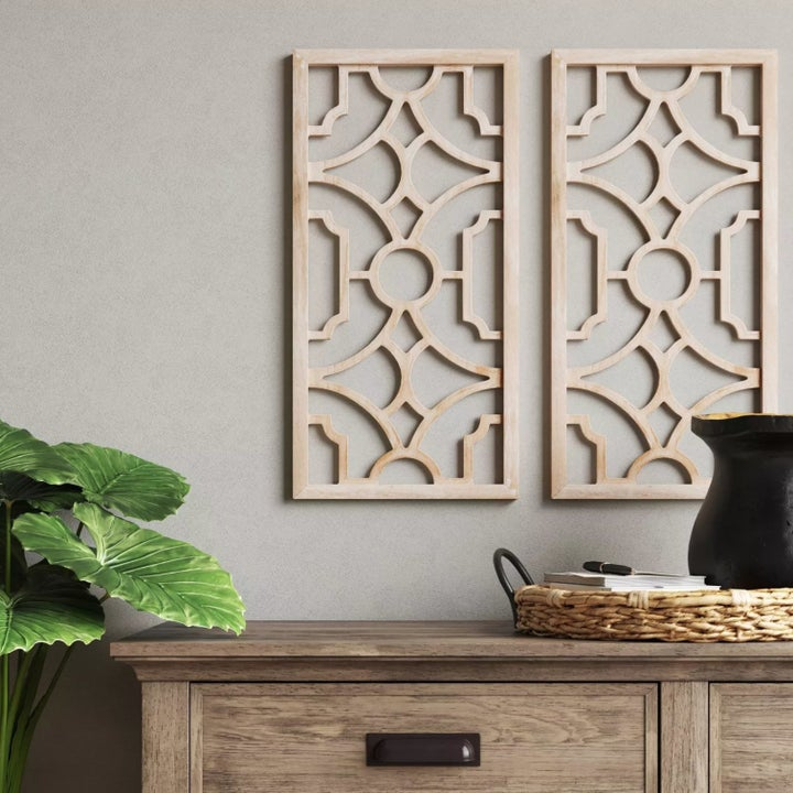 The wood lattices hanging on a wall
