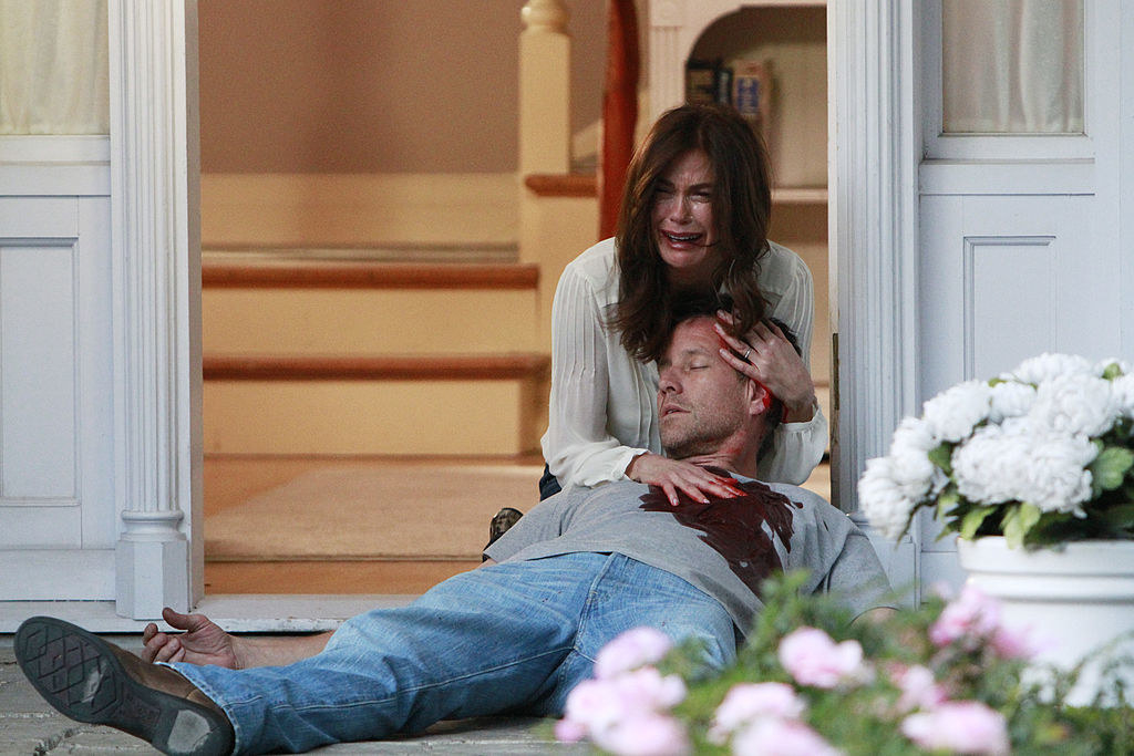 Teri Hatcher and James Denton in the show Desperate Housewives