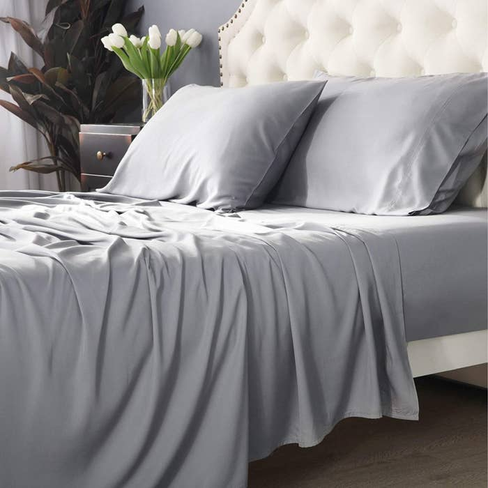 The grey set of sheets