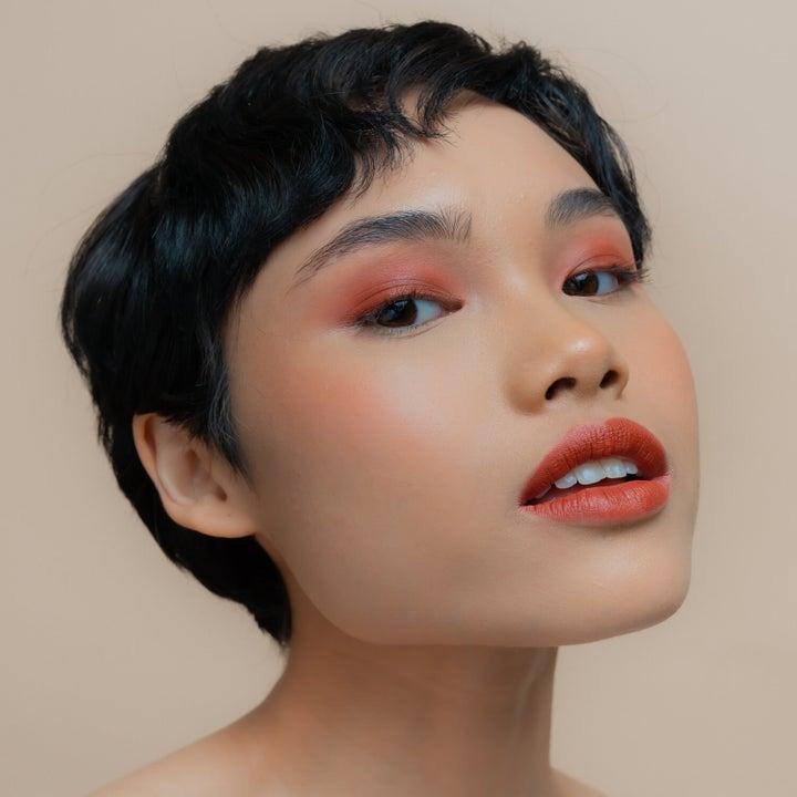 Model wearing pink shade
