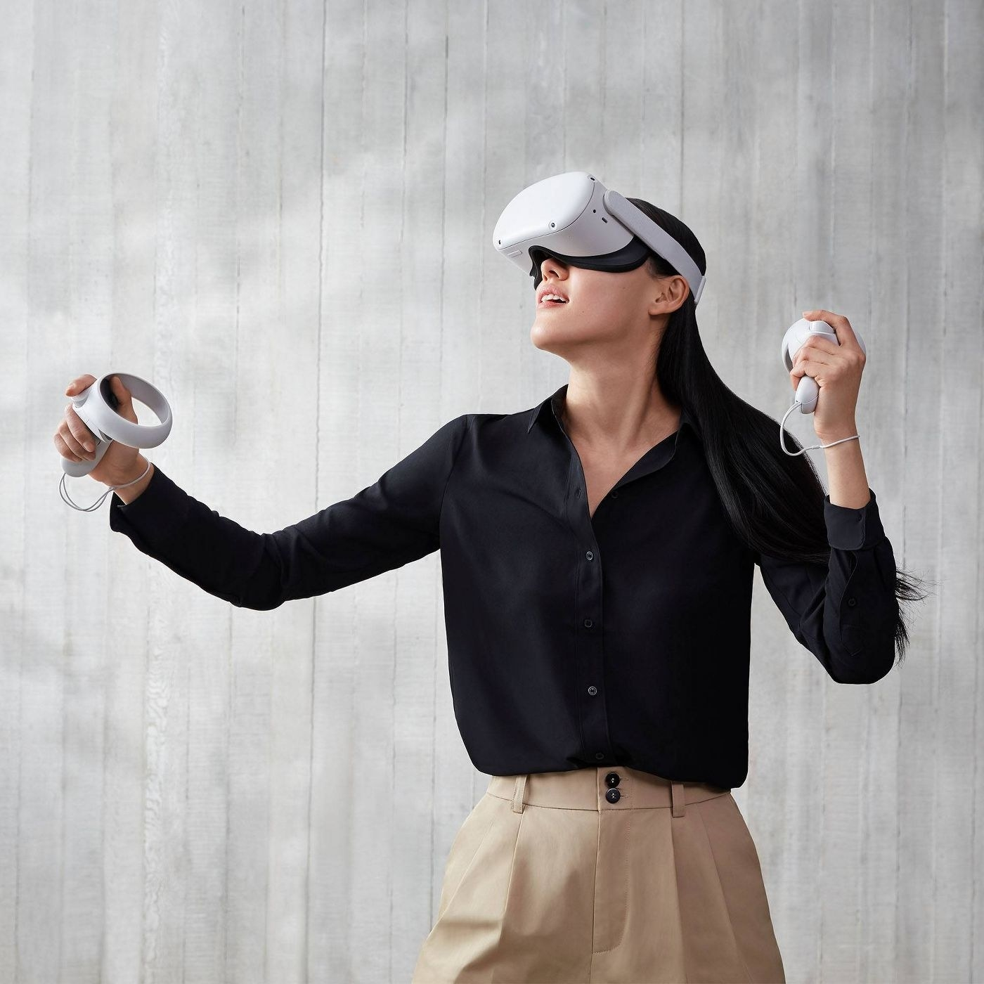 A woman using virtual reality goggles
