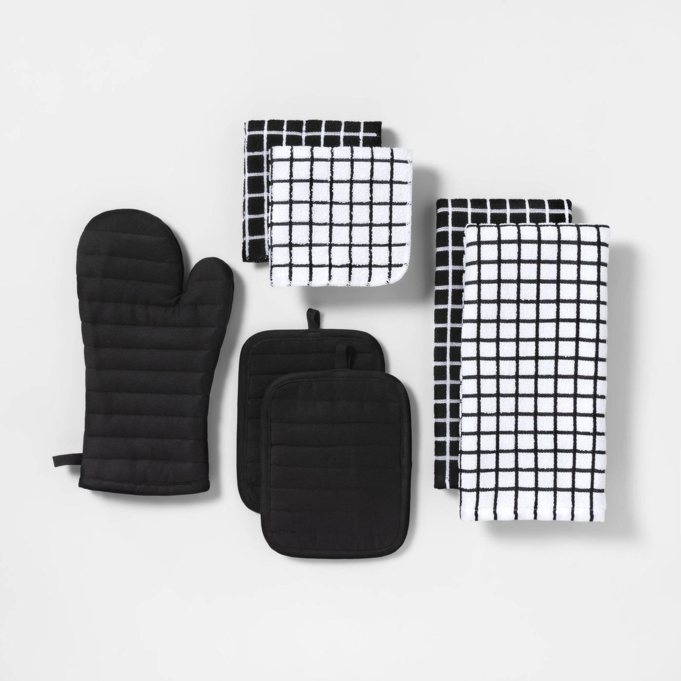 The black kitchen textile set