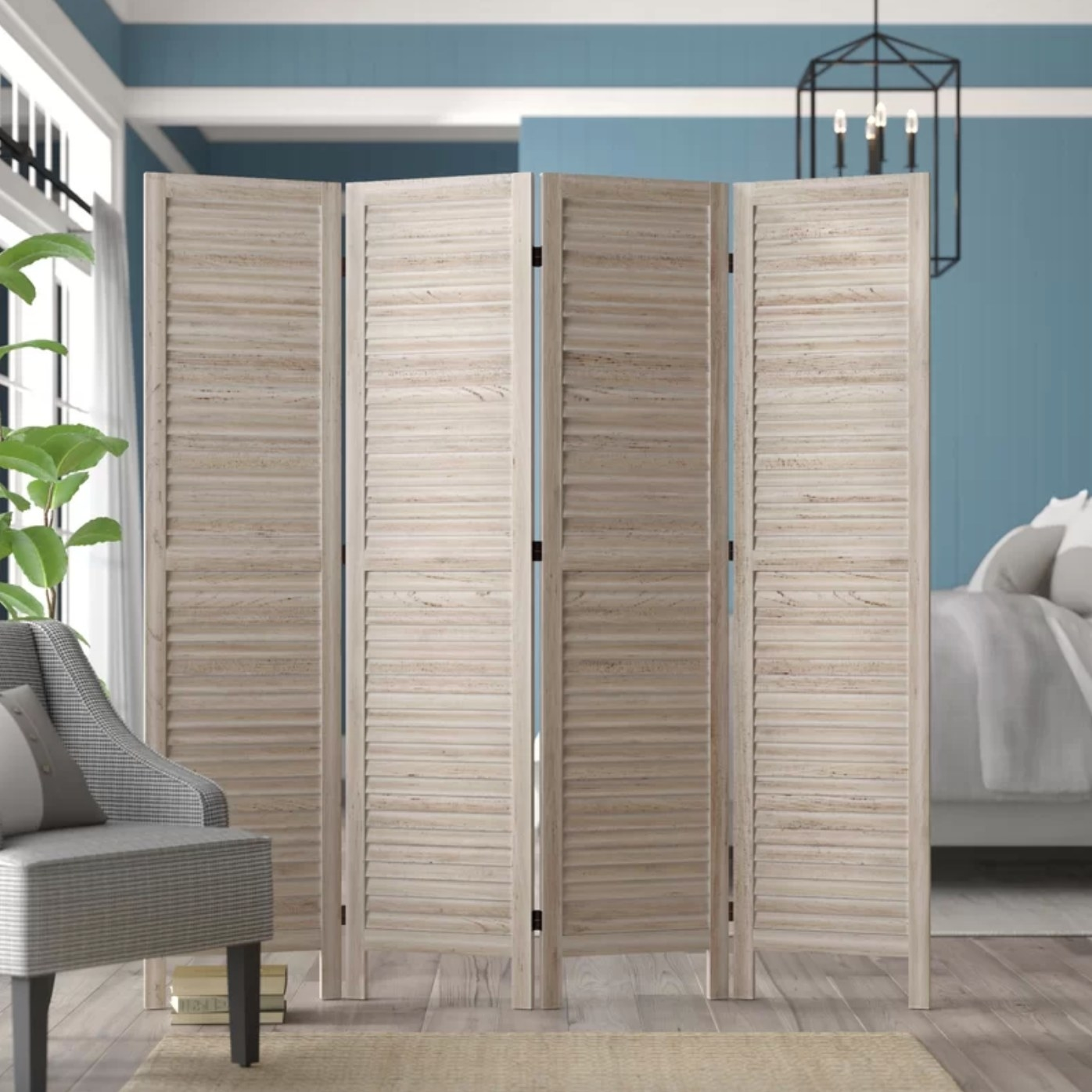 The four-panel room divider in natural