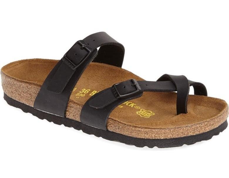 The sandal in black