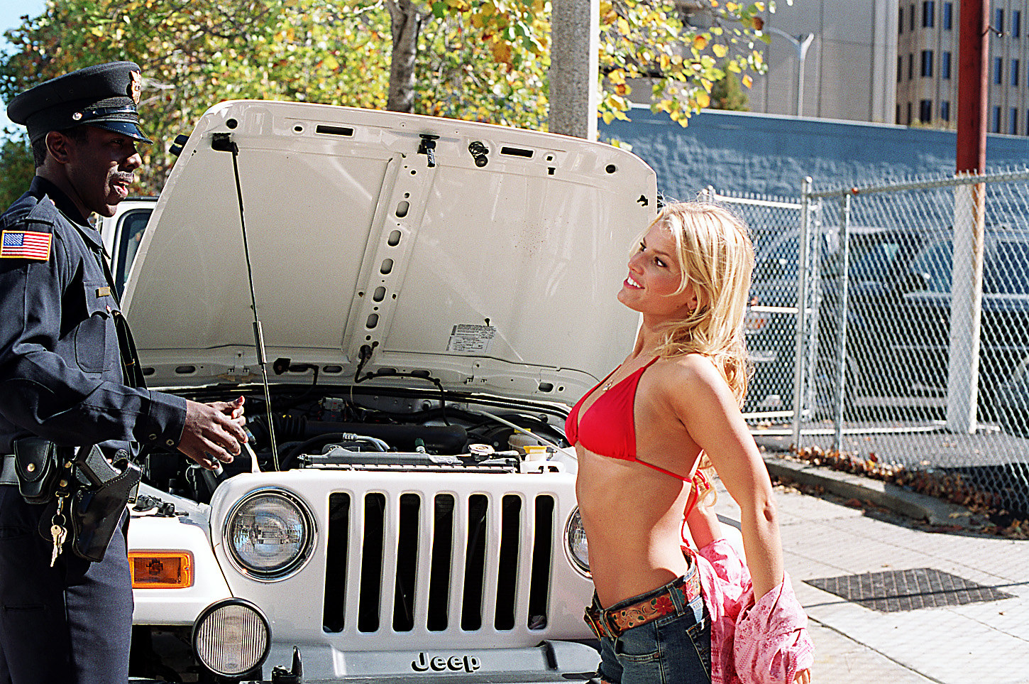 Jessica simpson wearing a bikini with her ribs sticking out of her ribcage in dukes of hazzard