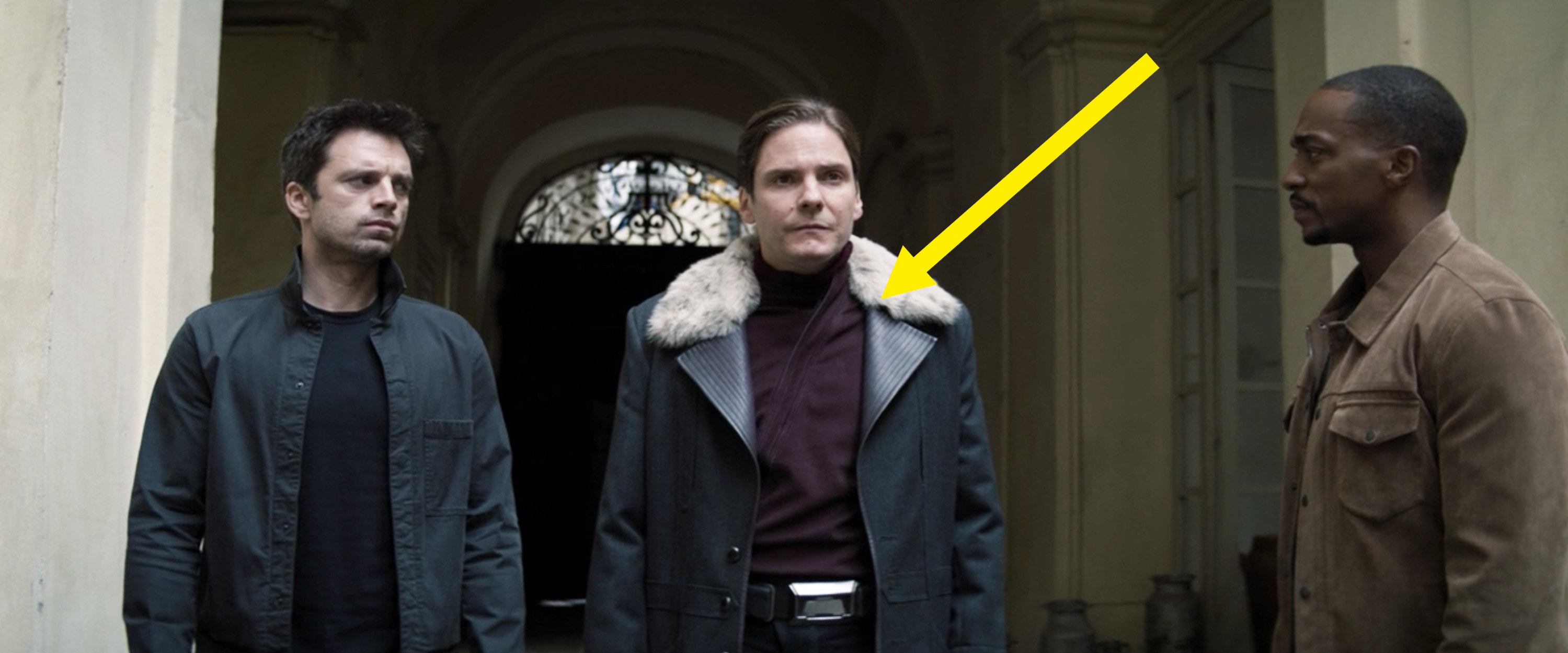 An arrow pointing out Zemo's purple sweater