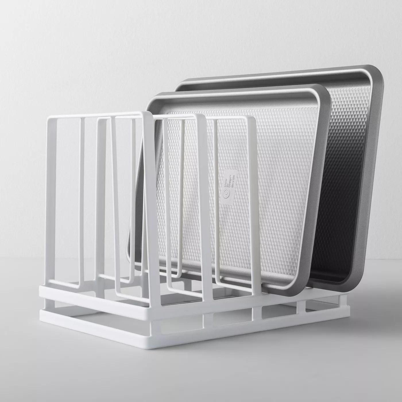A 4-piece pan organizer