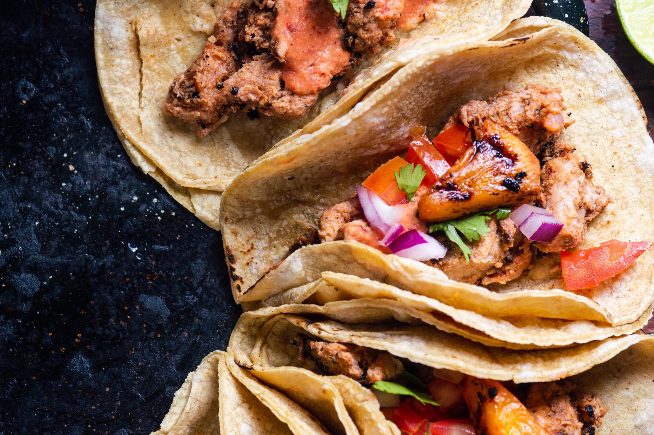 Several adobo tacos.