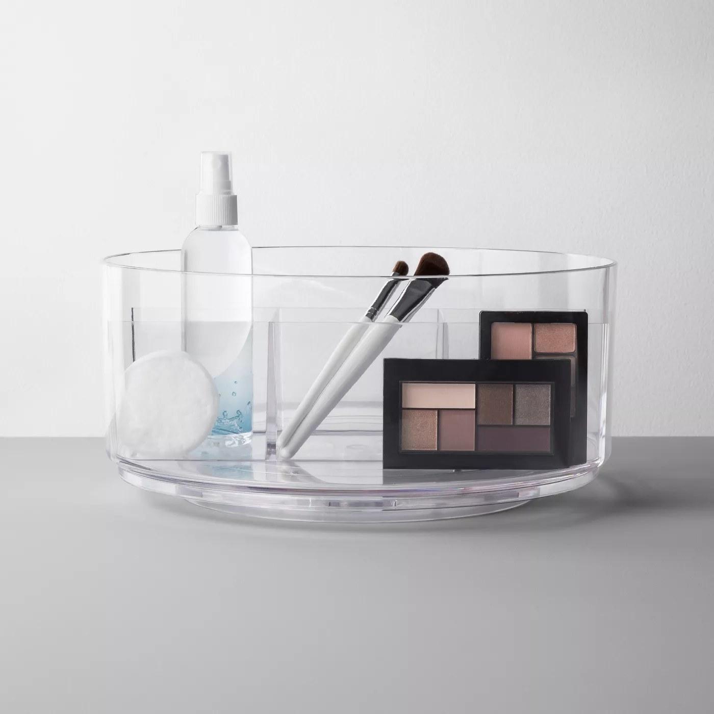 Spinning makeup organizer