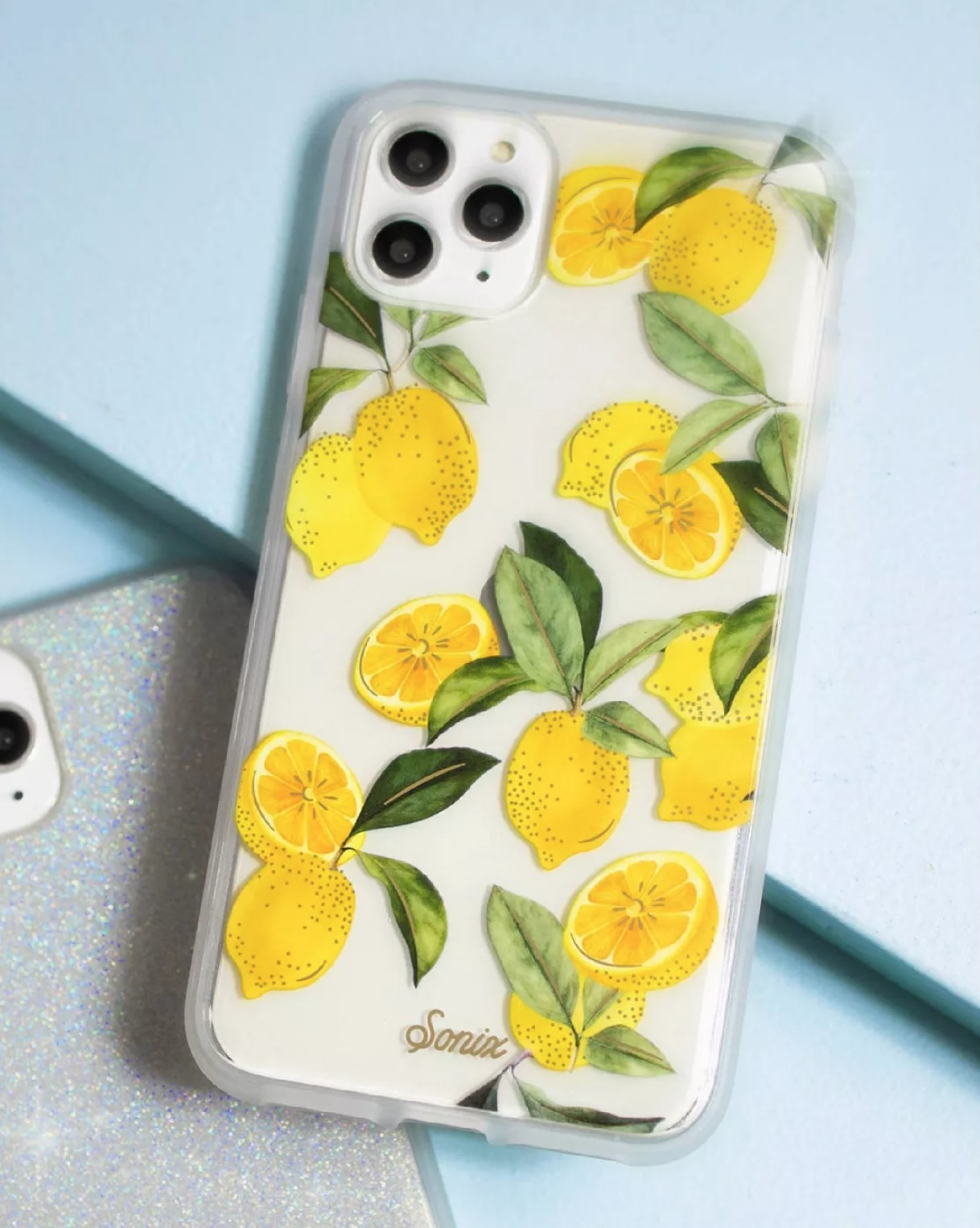 the clear phone case with lemons on it