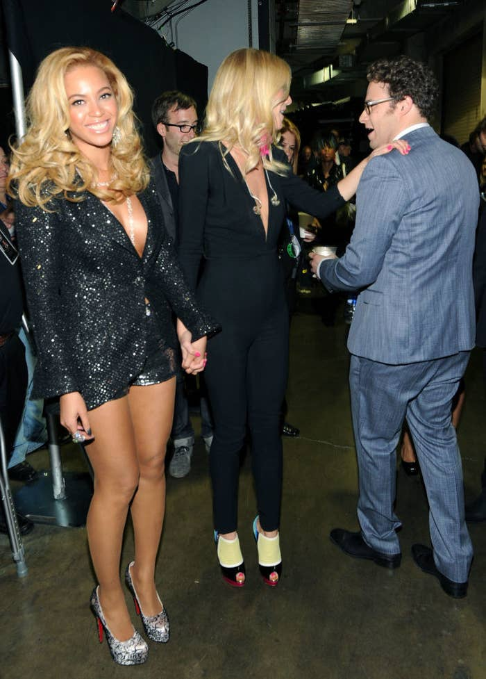 Beyoncé Knowles (L), Gwyneth Paltrow, and Seth Rogen talk backstage at The 53rd Annual GRAMMY Awards