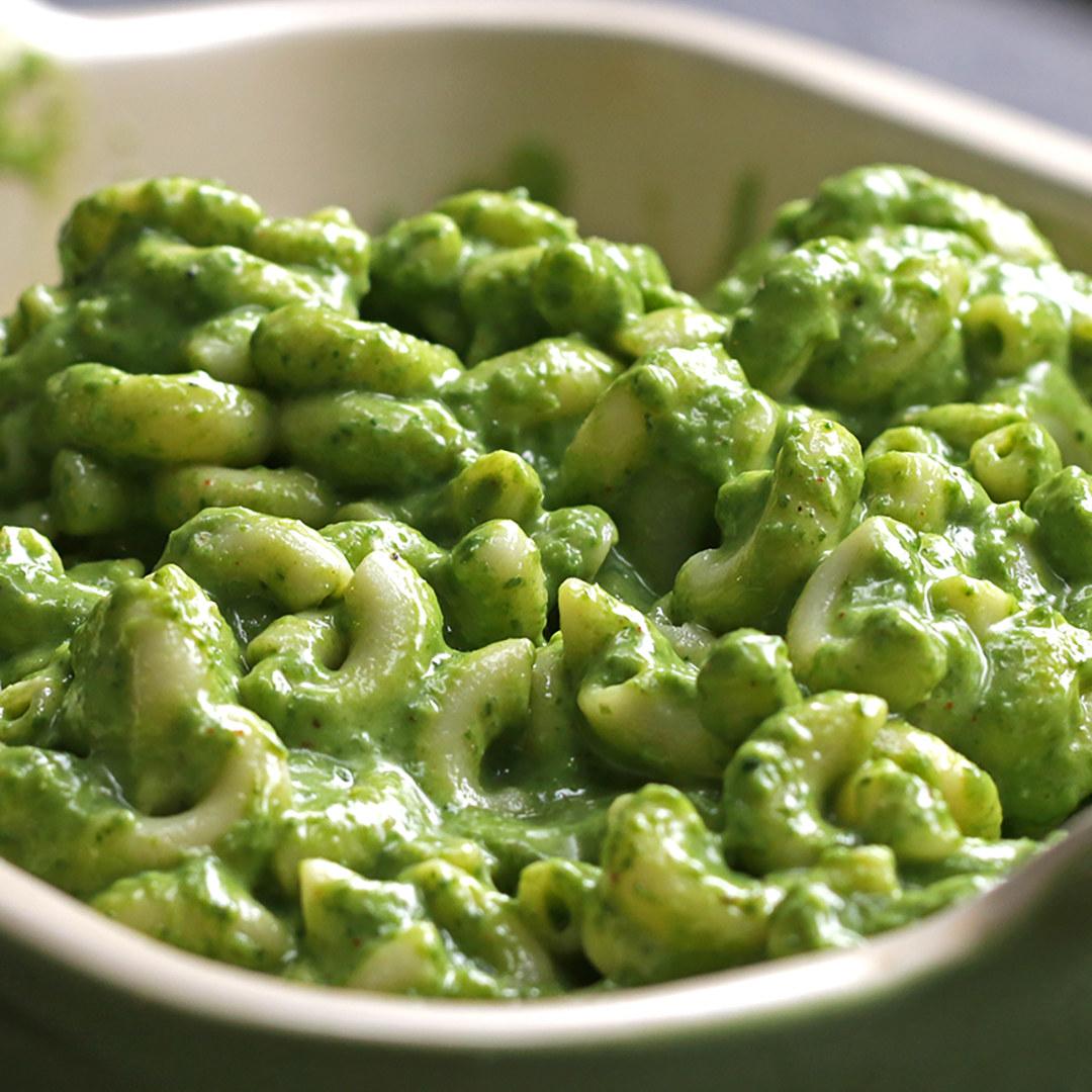 Green mac 'n' cheese