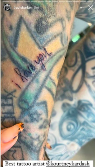 """This tattoo says """"i love you"""" in Kourtney's handwriting"""