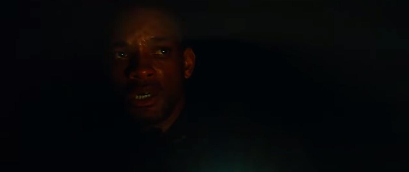 """Robert looking worried in """"I Am Legend"""""""