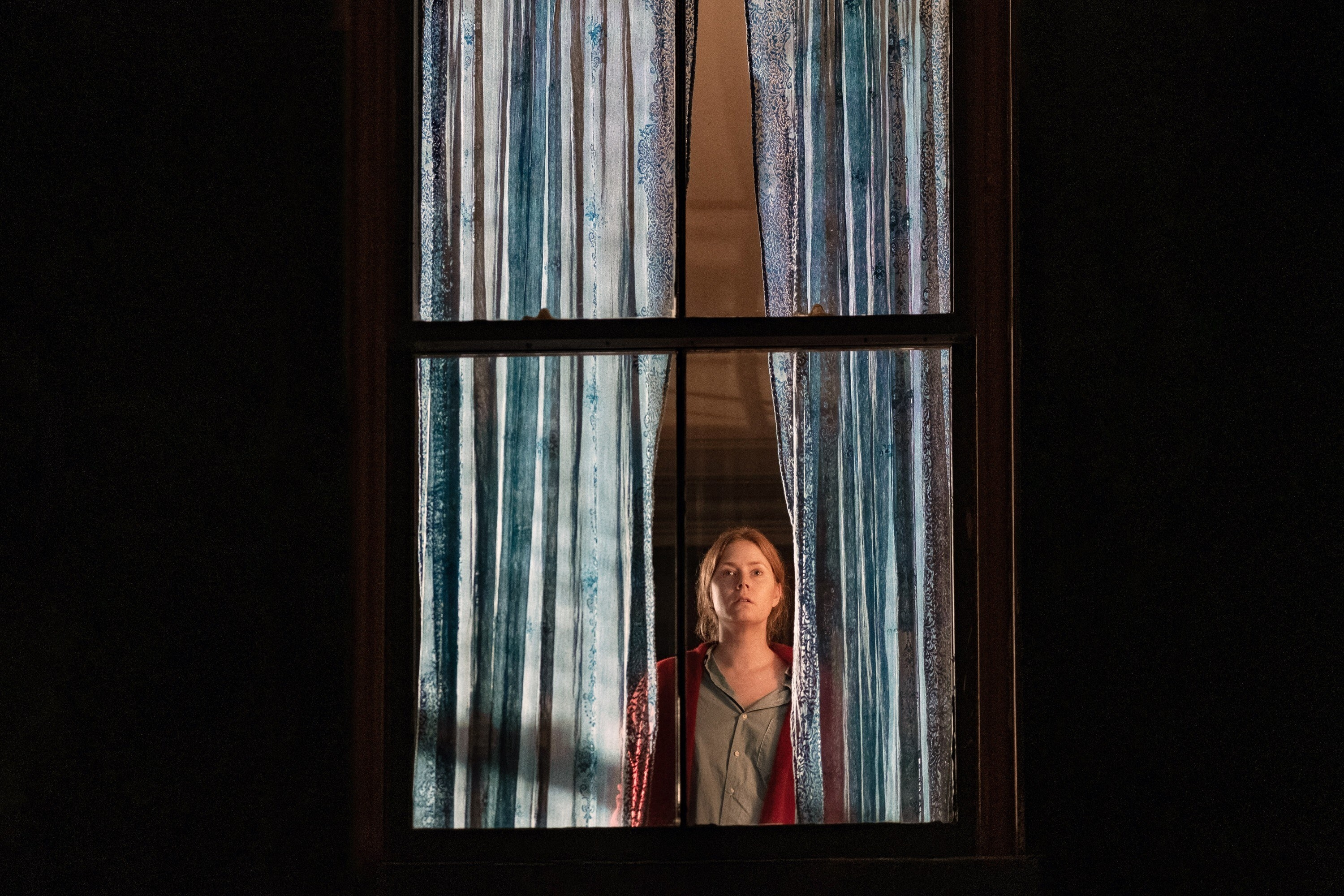 Anna in her window, seen from outside