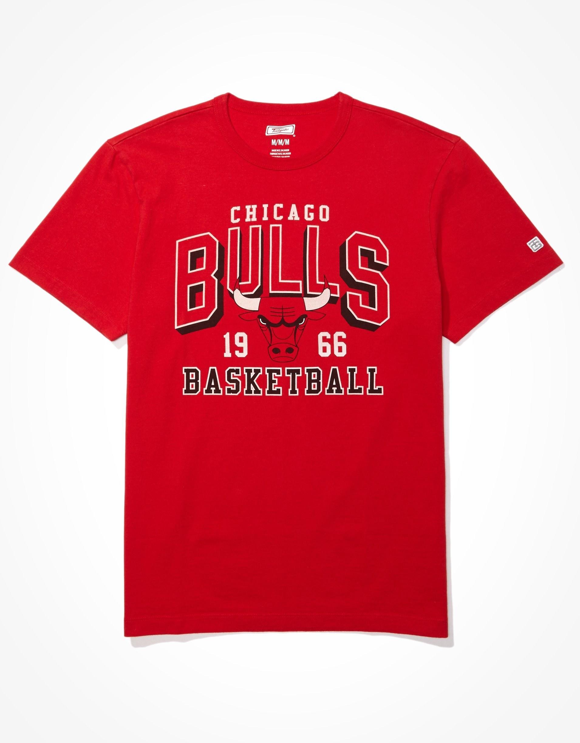 red Chicago Bulls shirt