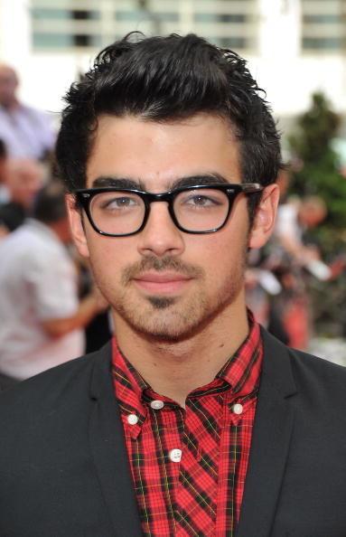 Joe Jonas wore them