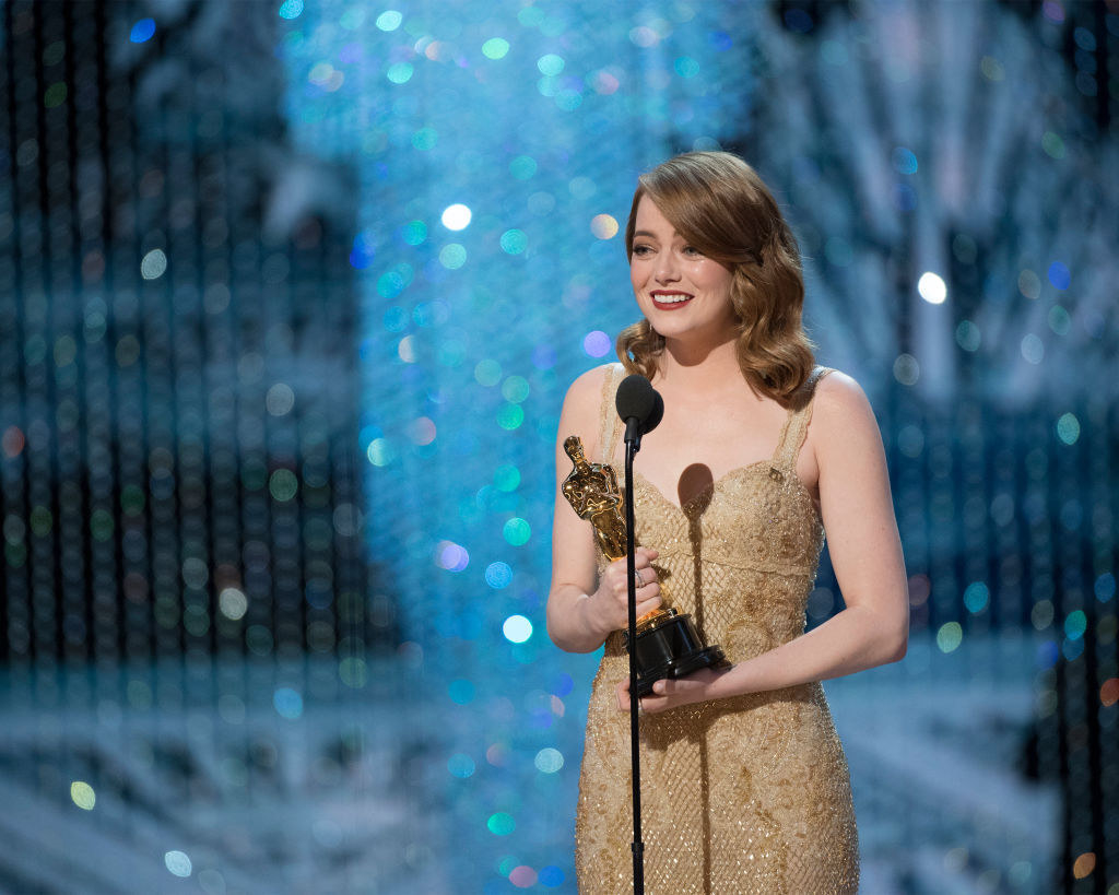 Emma Stone giving her acceptance speech at the 2017 Oscars