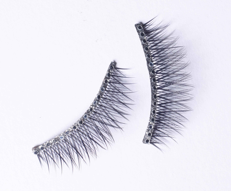 A pair of false eyelashes