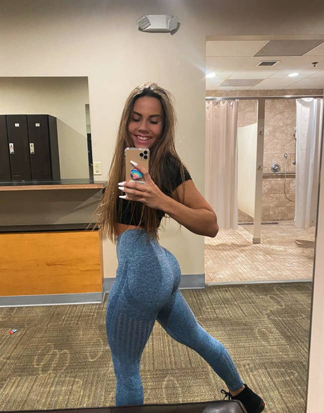reviewer taking selfie in mirror showing glutes