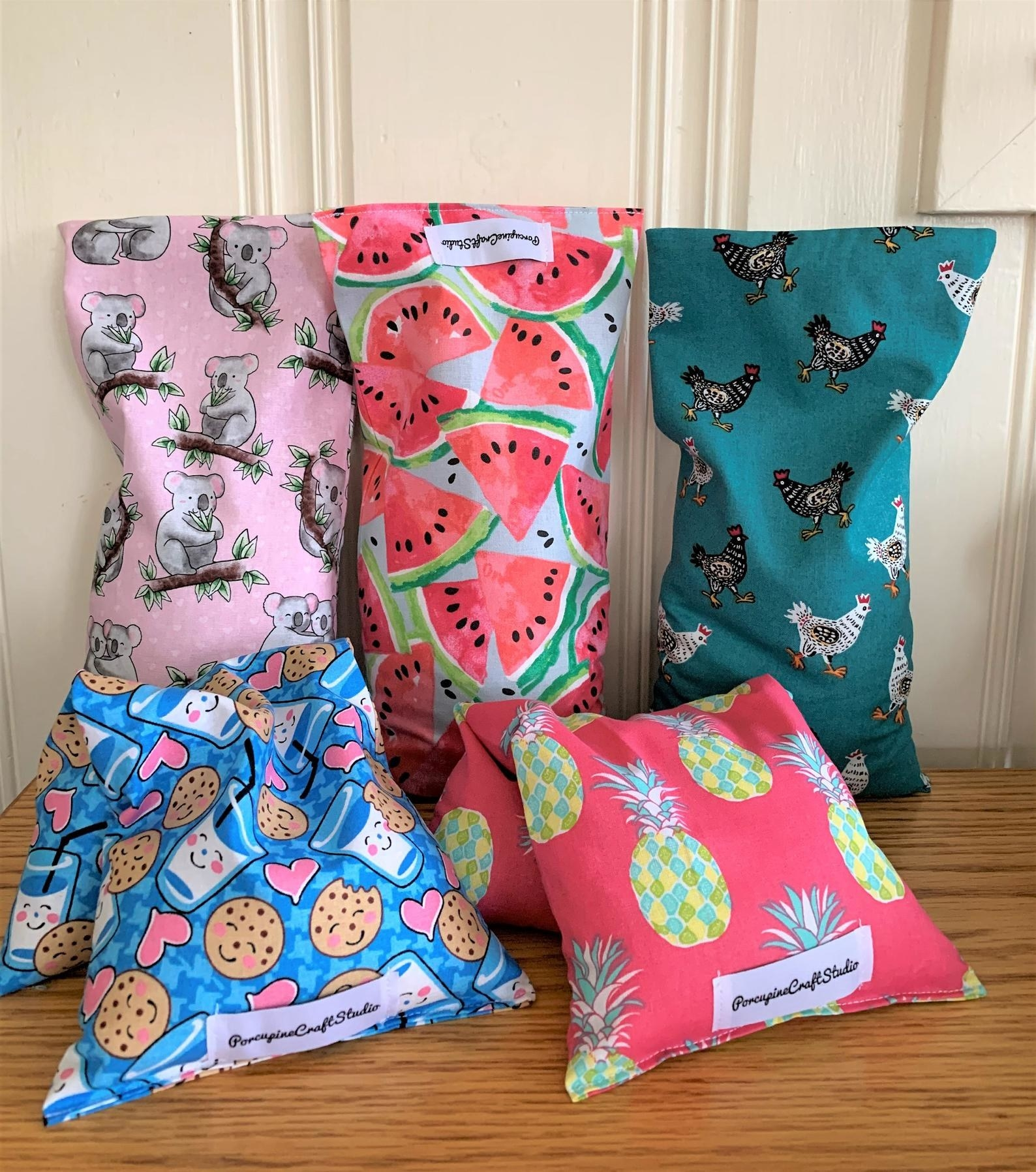 Five rice bags in a variety of patterns
