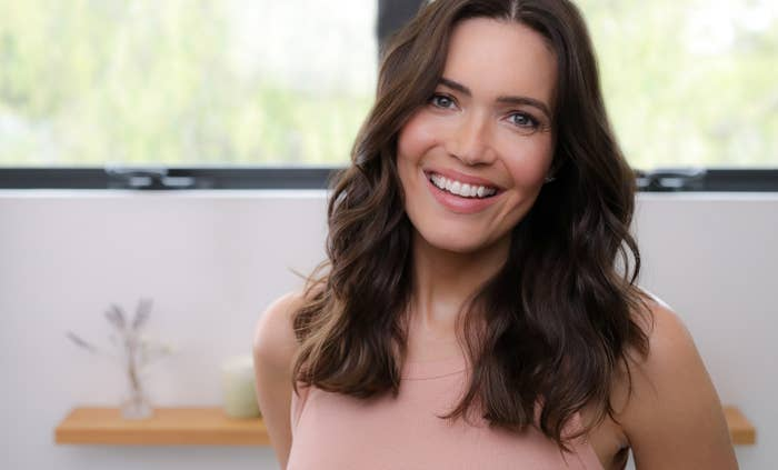 Mandy Moore with brown hair from an old Garnier ad