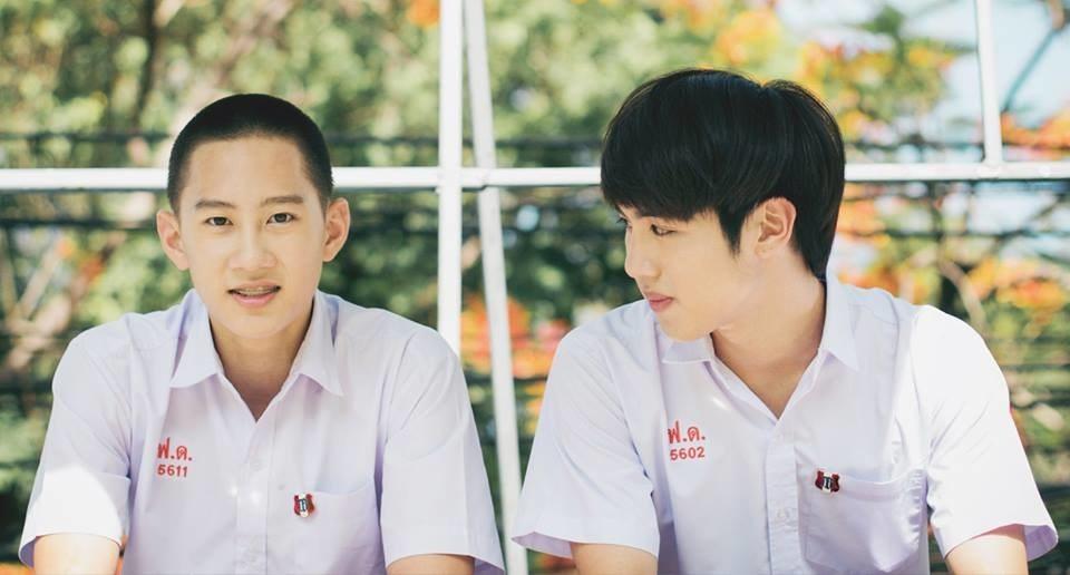 Chonlathorn Kongyingyong and Nawat Phumphotingam in school uniforms
