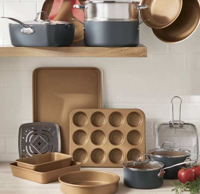 The copper bakeware and cookware set
