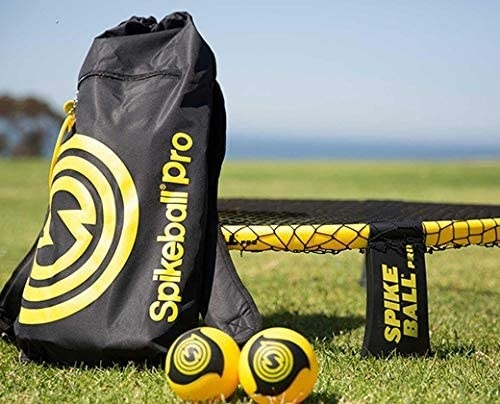 The spikeball balls, net, and carrying bag