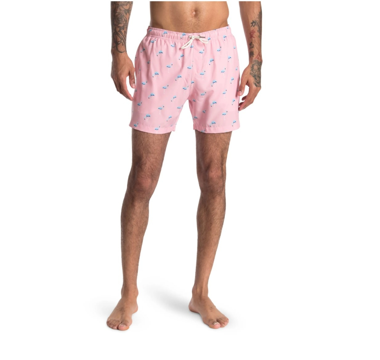 The pair of flamingo shorts in pink