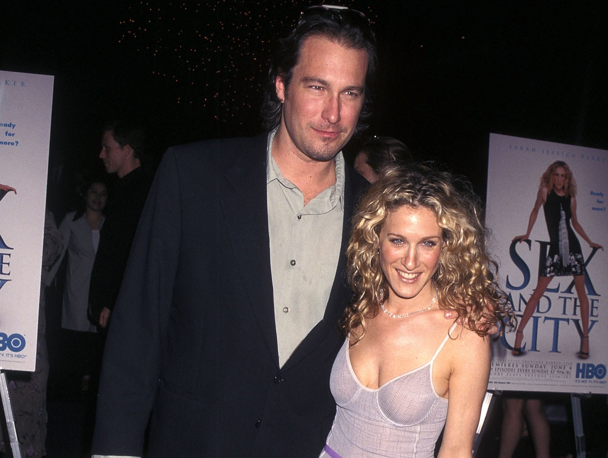 Sarah and John pose together at a Sex and the City premiere