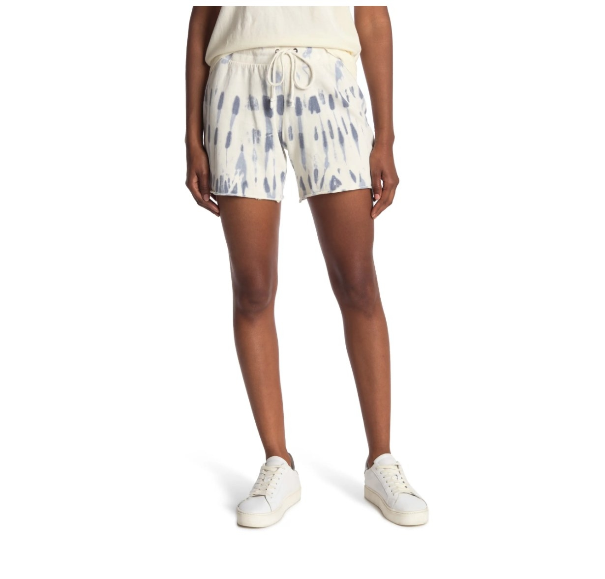 The pair of stripe wash shorts in blue and white