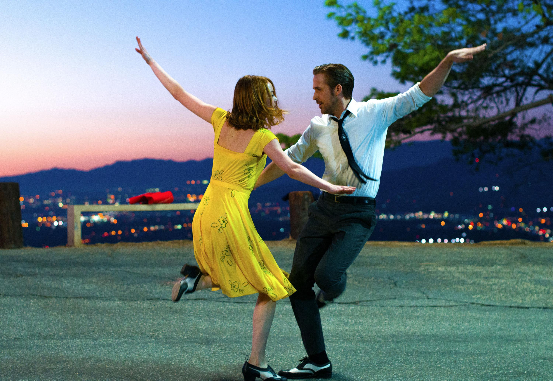 艾玛·斯通和瑞安·高斯林在洛杉矶跳舞