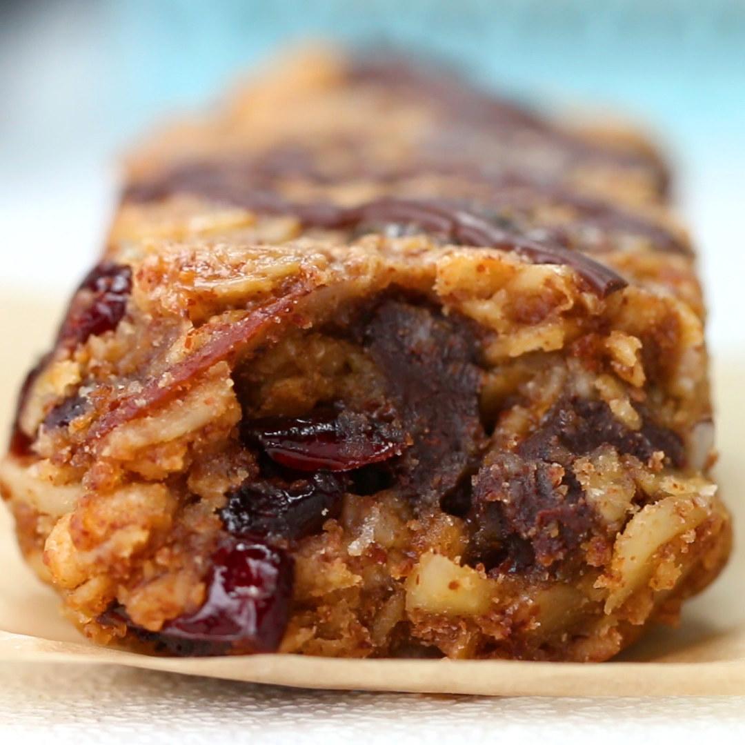 Chewy Oatmeal Breakfast Bars to Go