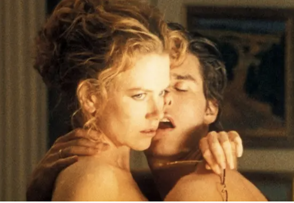 Kidman and Cruise embracing naked in the film