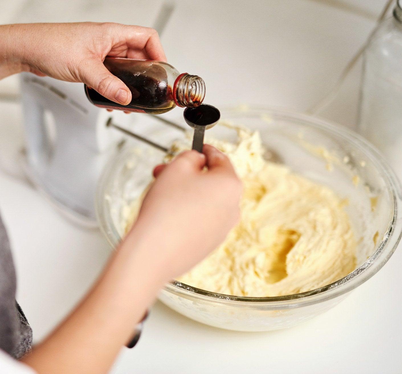 Baking with vanilla extract