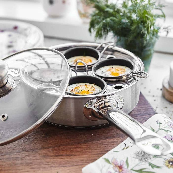 the stainless steel egg poaching pan