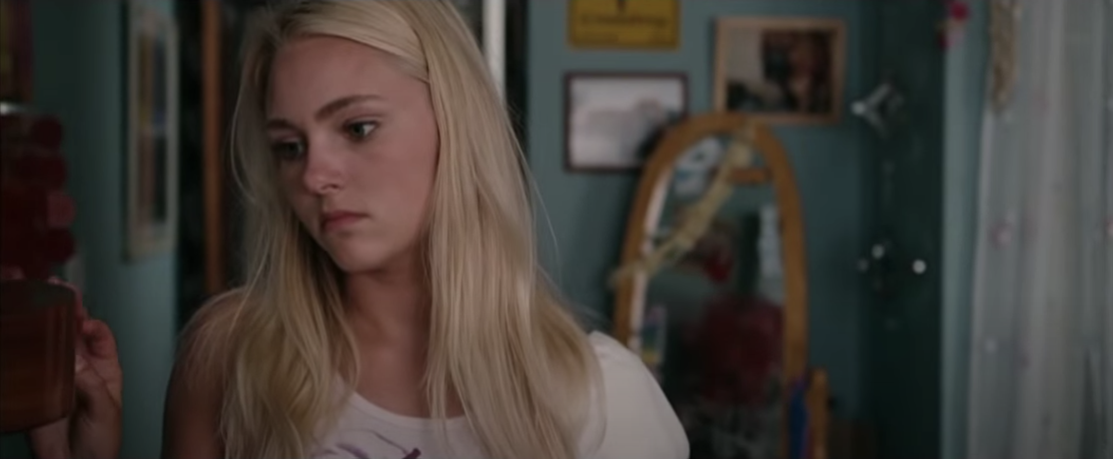 AnnaSophia Robb thinking while in her room