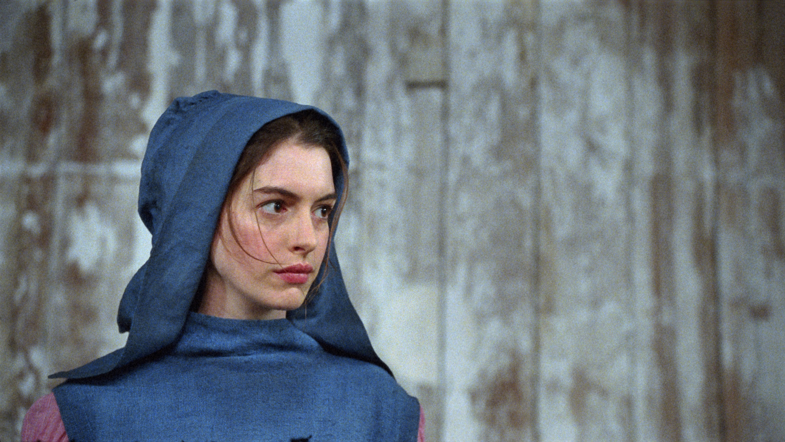 anne hathaway in a scene from the film in les miserables