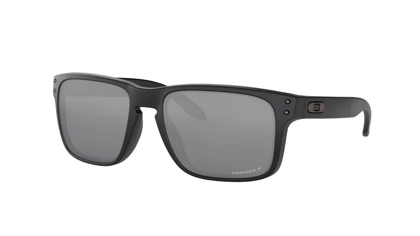 The black square sunglasses