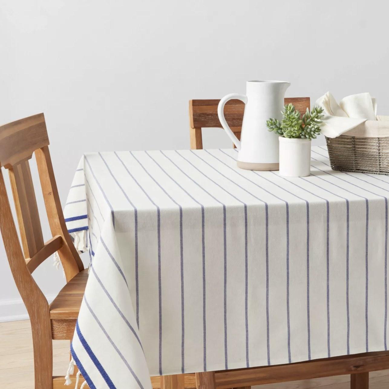Table cloth on table