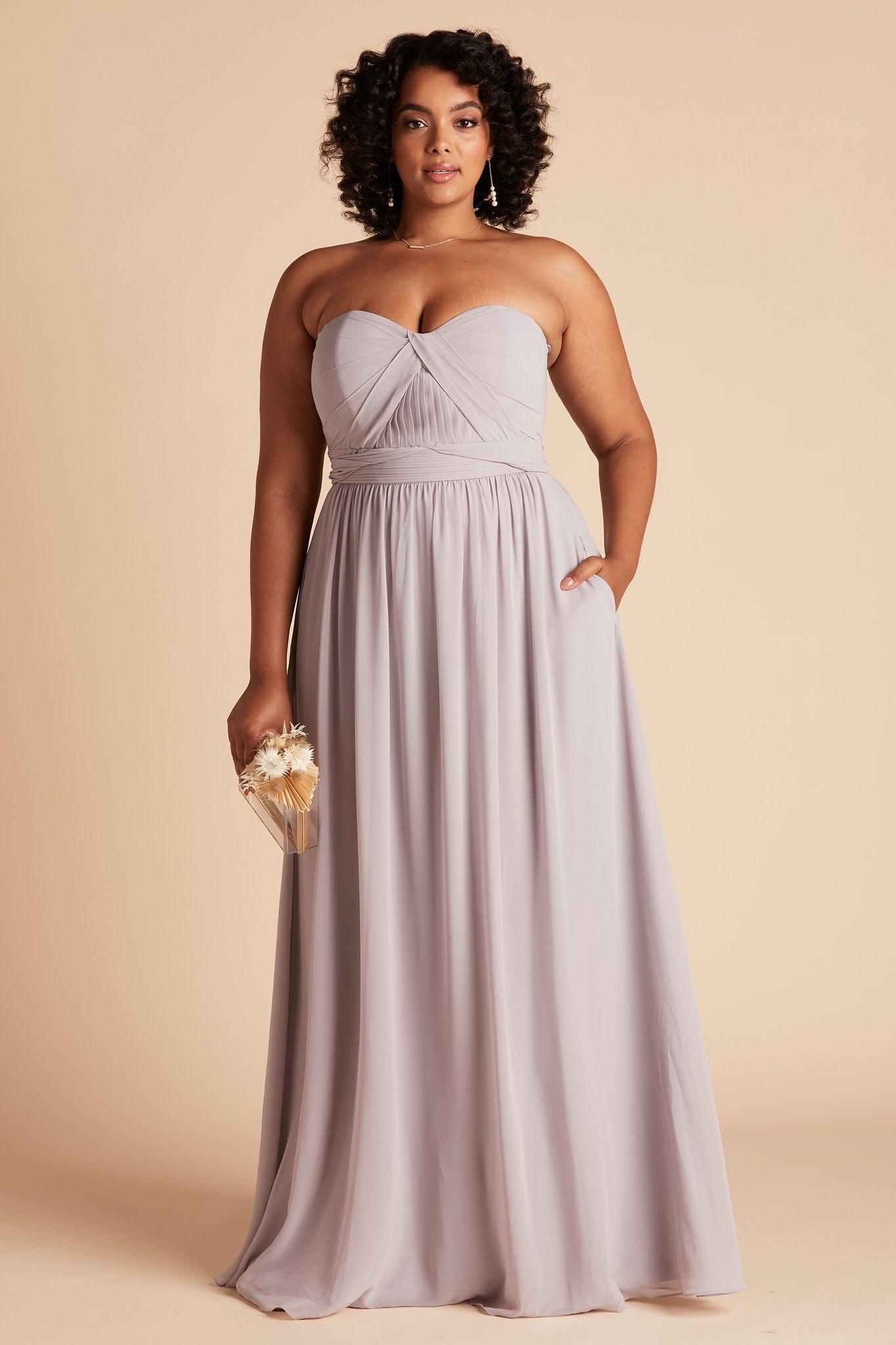 model wearing a lilac dress