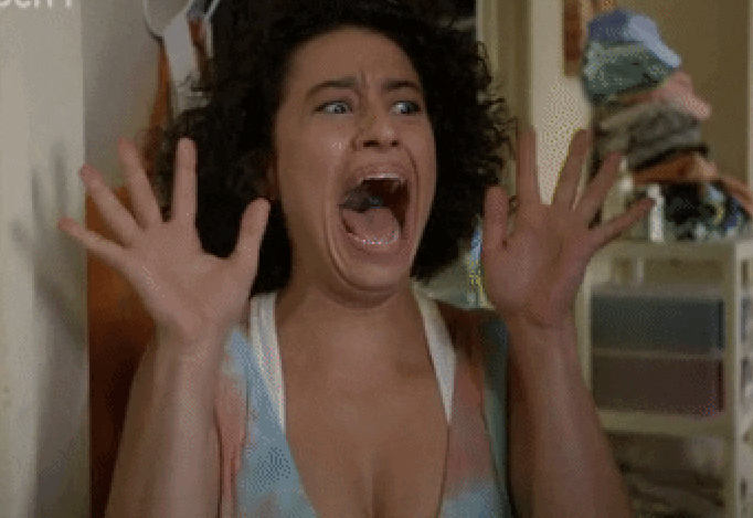 Ilana Wexler from Broad City screaming in fear