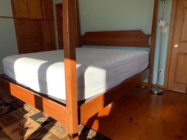 The topper on a mattress