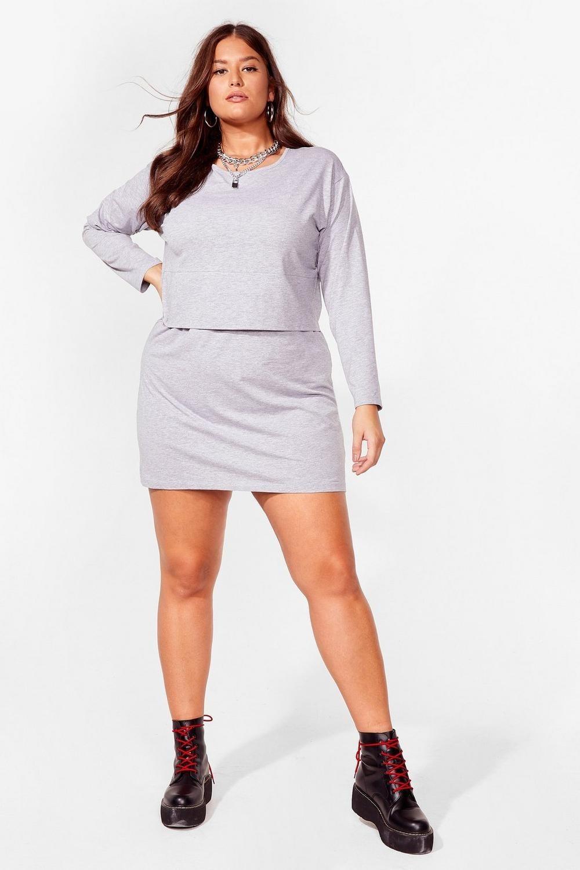 model wearing the heather grey dress