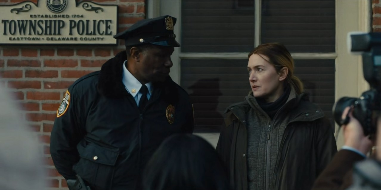 A screengrab from Mare of Easttown showing Mare and the chief of police