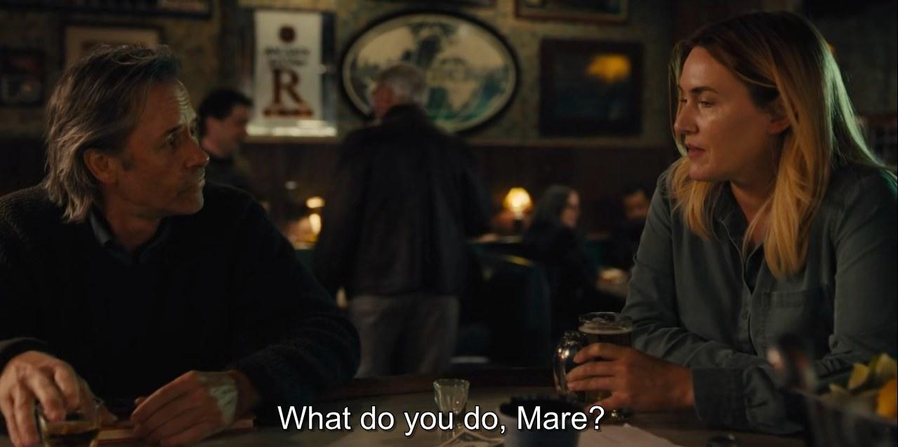 Scene where Mare (Kate Winslet meets Richard (Guy Pearce).