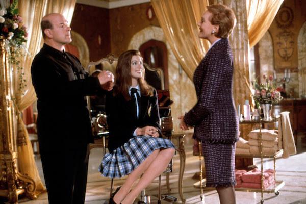 Larry Miller, Anne Hathaway, and Julie Andrews talking.