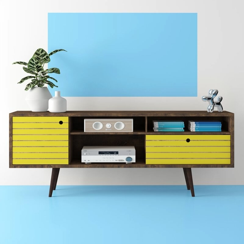 The stand with yellow accents